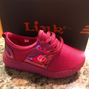 Other - 🎀Pink 7 Little Girls Light Up Sneakers